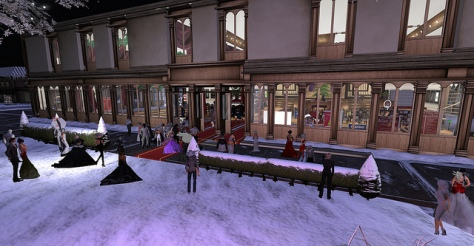 the 2012 Avi Choice Awards took place in a beautiful auditorium constructed by Harlequin Phang. Two sims filled up with eager attendees all dressed up in the SL BEST fashion!